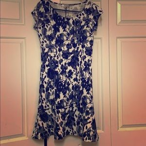 Miko floral dress w/flared skirt